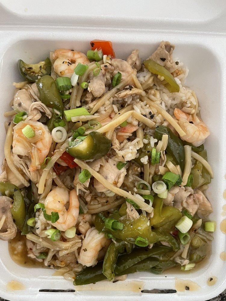 Mai Thai Kitchen: 2601 19th St, Lubbock, TX