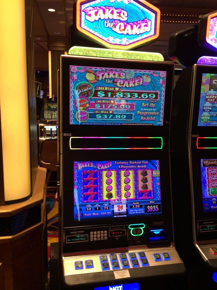Hollywood casino hours aurora il