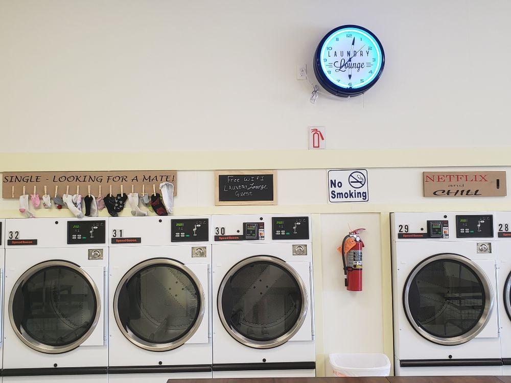 Laundry Lounge: 939 S 25th E, Ammon, ID