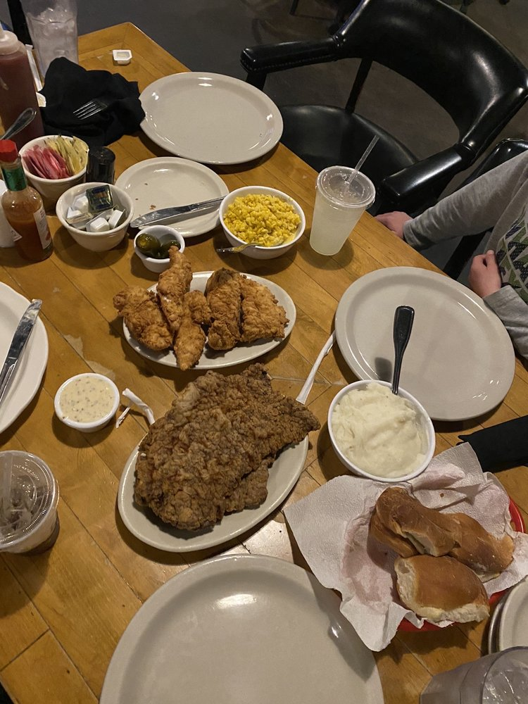 Food from Belle's Chicken Dinner House