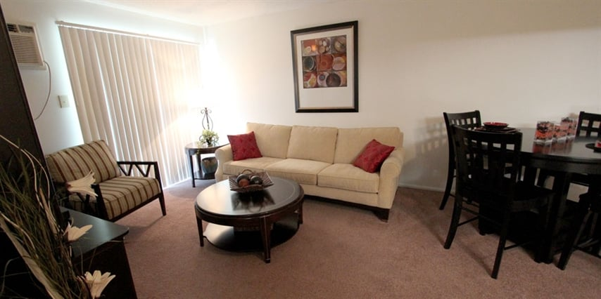Turtle Creek Apartments: 700 Saint Marys Ave, Frankfort, IN