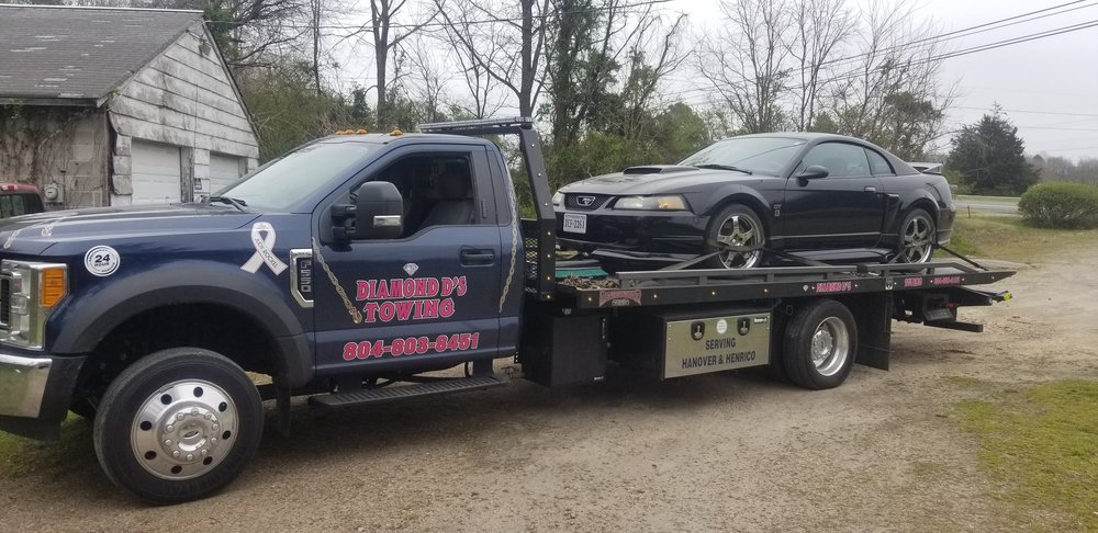 Towing business in East Highland Park, VA