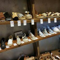 wholesale dealer 40f12 edf89 Faraone - Negozi di scarpe - Corso Vittorio Emanuele 36 ...