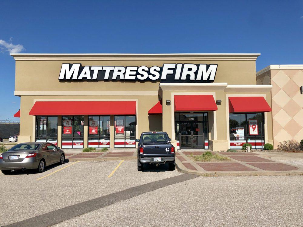 Mattress Firm Wichita East: 11747 E Kellogg Dr, Wichita, KS