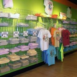 Big frog custom t shirts more 15 reviews fashion for Custom t shirts springfield mo