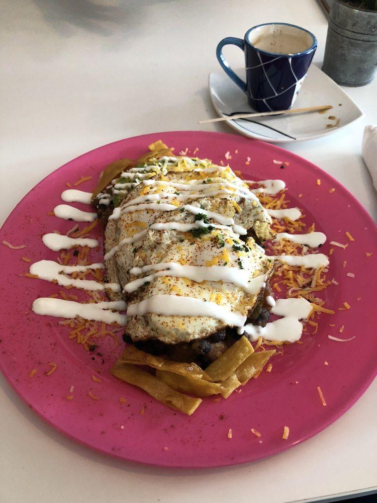 Latitud Café: Carretera 2 KM 43.8, Vega Baja, PR