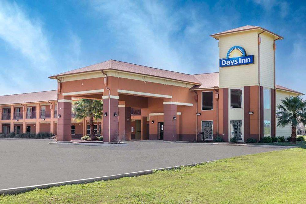 Days Inn by Wyndham Dilley: 16361 South Interstate 35, Dilley, TX