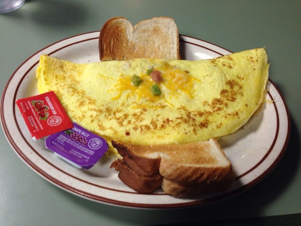 Northlake Cafe: 813 2nd St NW, Baudette, MN