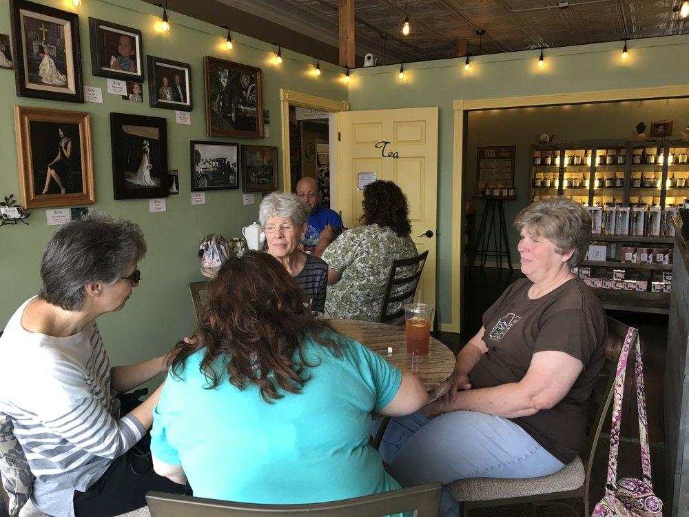 Diana's Papillion Tea Shop: 134 N Washington St, Papillion, NE