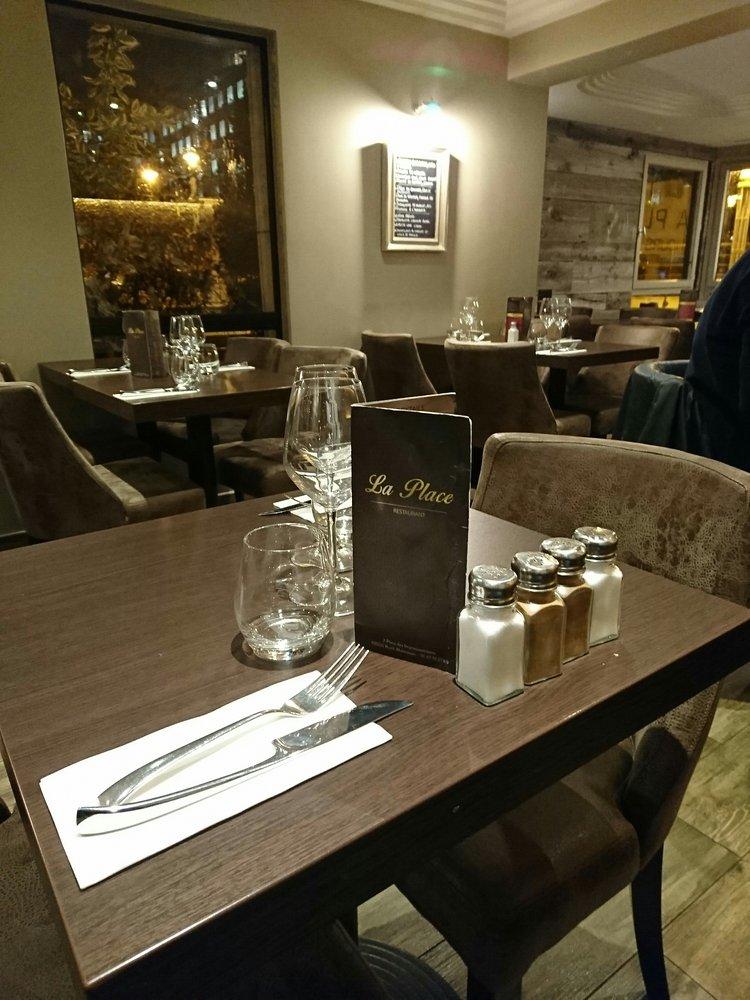 Restaurant La Place Place Des Impressionnistes Rueil