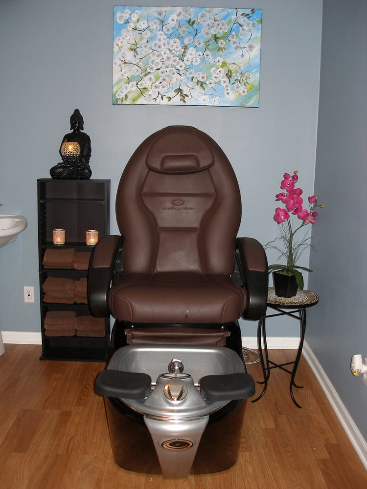 Massage & Skin Care By Joyce: 9521 Indianapolis Blvd, Highland, IN