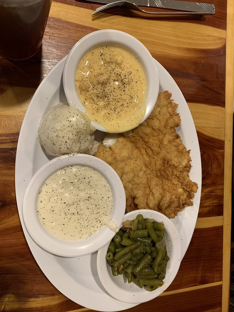 Country Cafe: 217 S Hwy 77, Waxahachie, TX