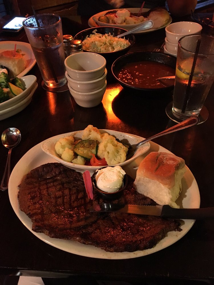 Great American Steakhouse: 600 Valley Chili Rd, Vinton, TX