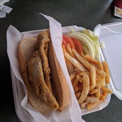 Hook fish chicken 13 anmeldelser fish n 39 chips 1 for Hooks chicken and fish menu