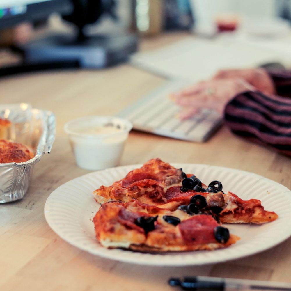 Me-N-Ed S Pizzerias: 1102 W Visalia Rd, Exeter, CA