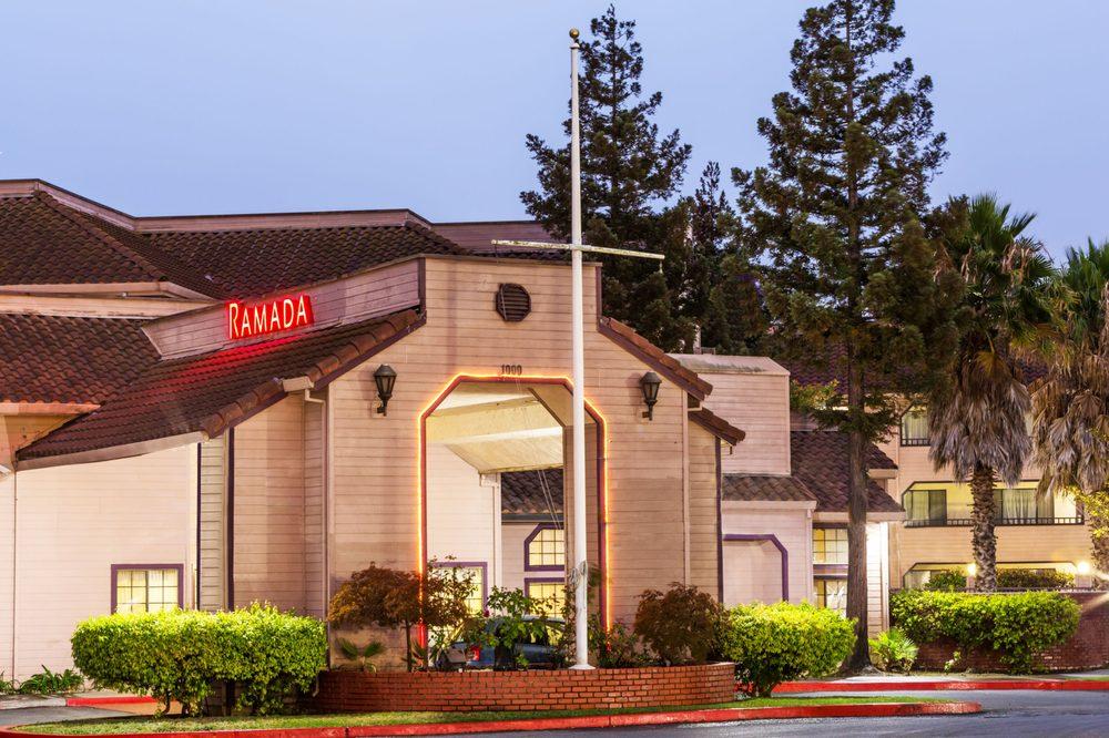 Ramada by Wyndham Vallejo Near Six Flags Discovery Kingdom: 1000 Admiral Callaghan Lane, Vallejo, CA