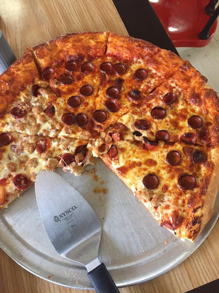 Maria's Pizzeria & Restaurant: 9120 Erie Rd, Angola, NY