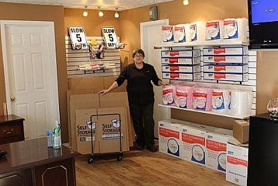 U-Haul Neighborhood Dealer: 4015 Beltline Rd, Addison, TX