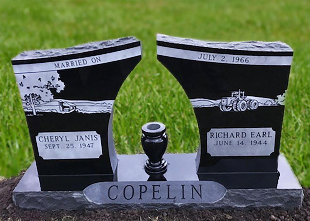 Oldham Monument: 400 N Kansas Ave, Marceline, MO