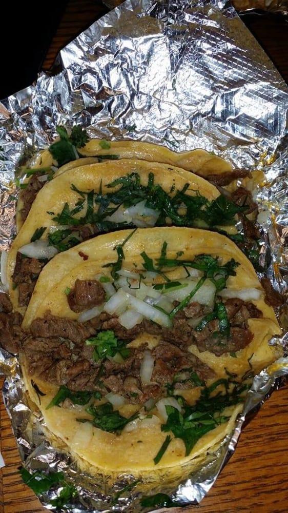 Taqueria Y Restaurant El Sol de mexico: 501 N Alexander Dr, Baytown, TX