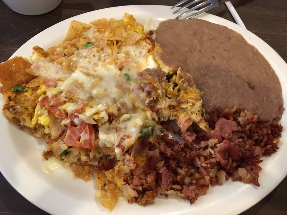 Restaurant y Taquería Jalisco's: 506 W Corsicana St, Athens, TX