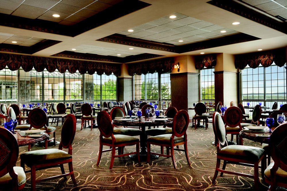 Chateau on the Lake Resort Spa & Convention Center: 415 N State Hwy 265, Branson, MO