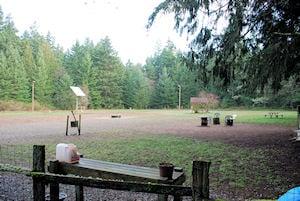 Marguerite Brons Memorial Off-Leash Park: 5951 Bayview Rd, Clinton, WA