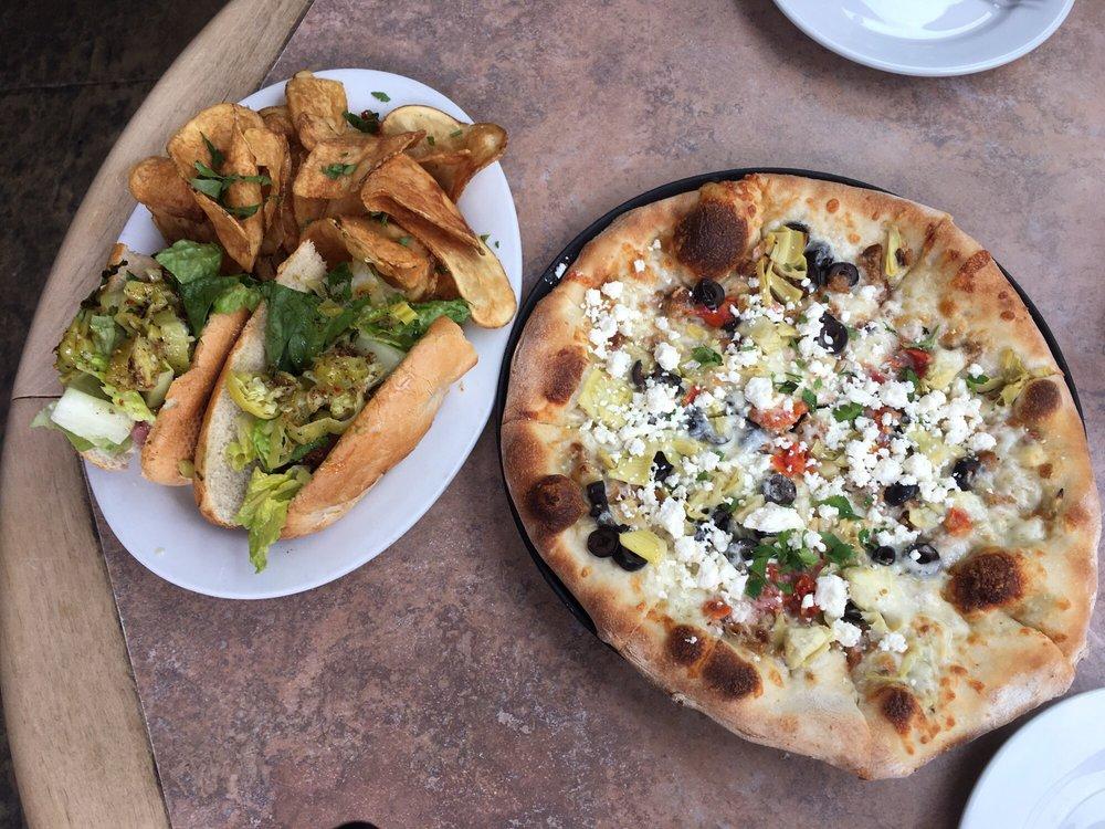 Slackwater Pub & Pizzeria