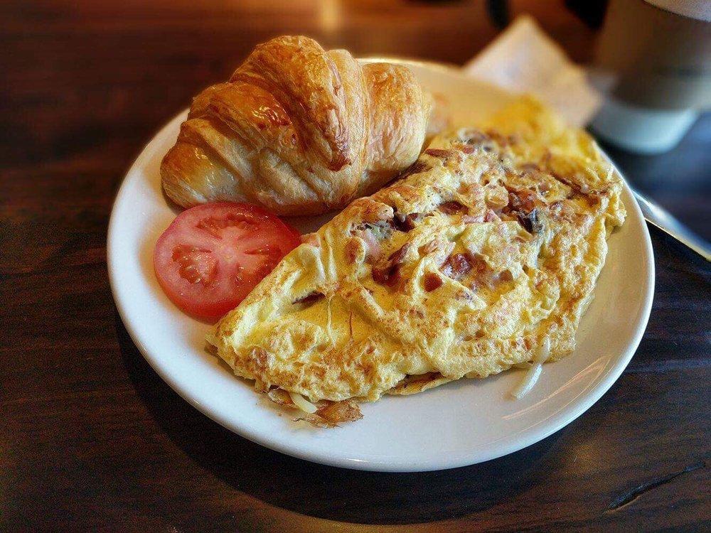 La Madeleine Country French Cafe: 1165 Perimeter Ctr W, Atlanta, GA