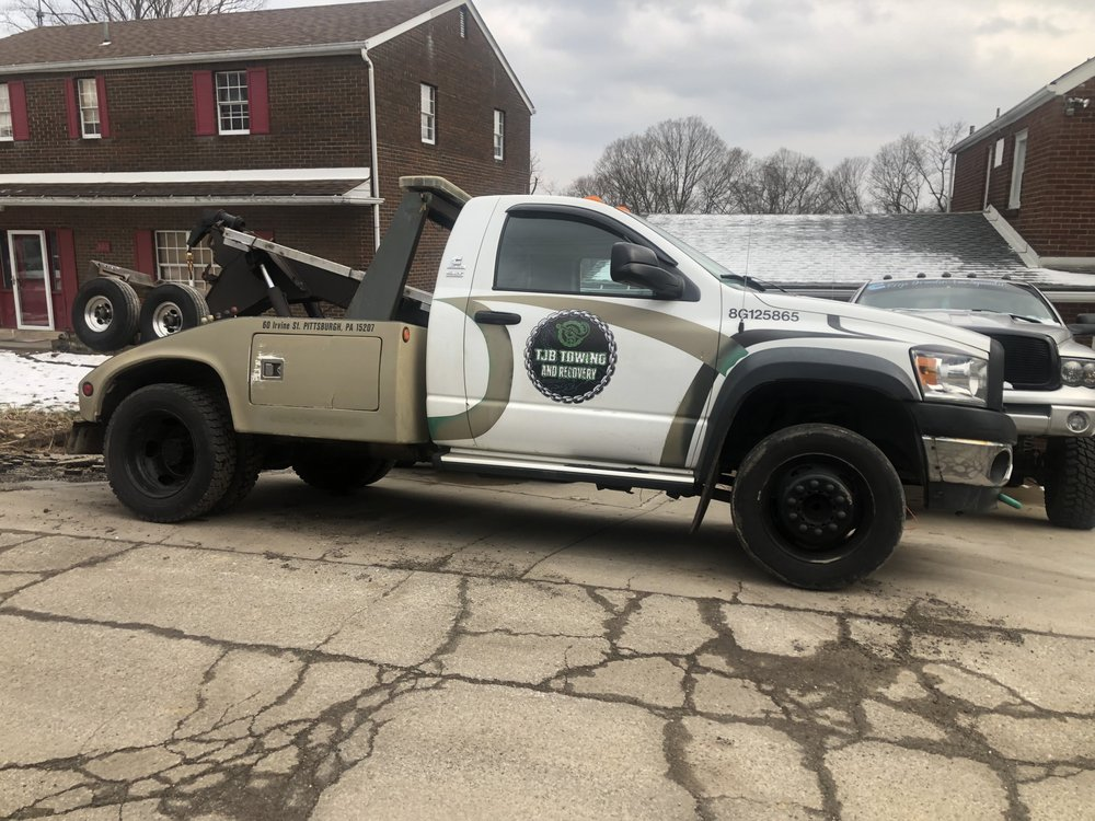 Towing business in Bethel Park, PA