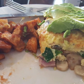 Photo Of Four Daughters Kitchen   Manhattan Beach, CA, United States.  Omelet And