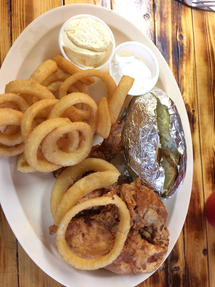 West Union Cafe: 111 S State Hwy 1, West Union, IL