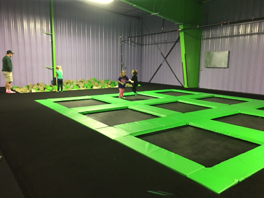 Extreme Air Trampoline Park: 360 Mc Clurg Rd, Youngstown, OH