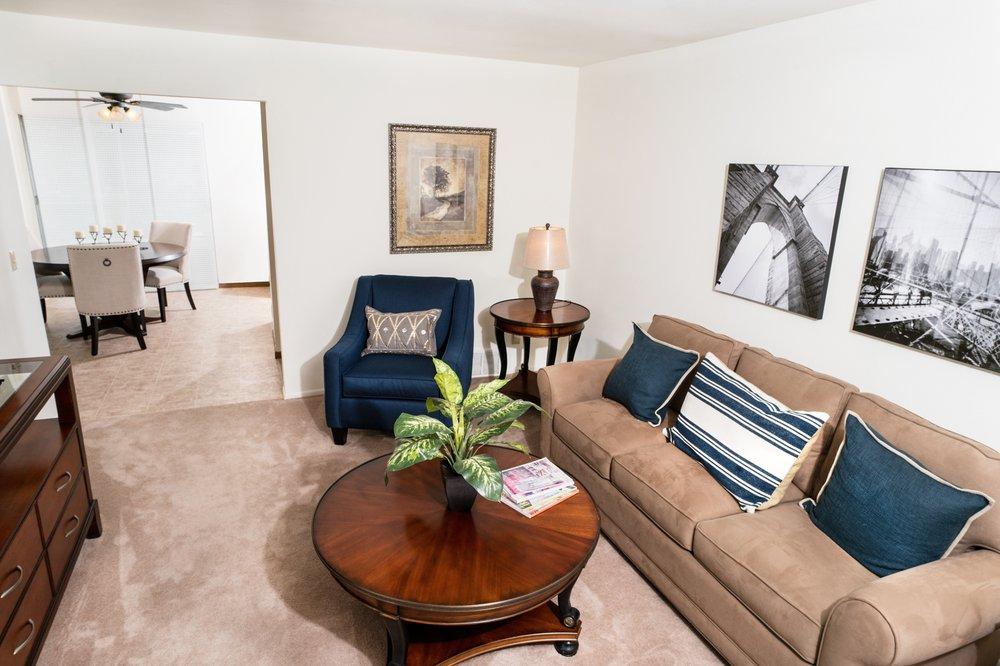 Woodridge Apartments and Townhomes