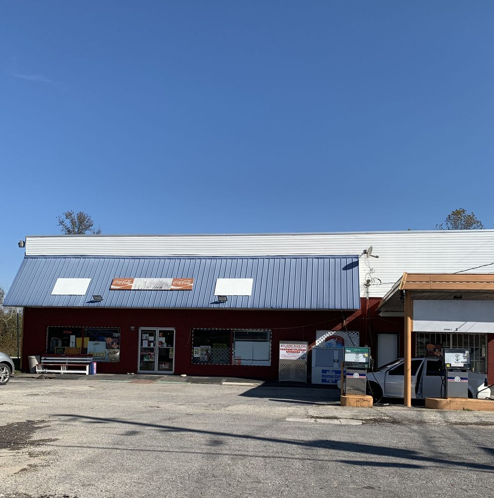 Wilkes Grocery S: 4664 County Rd 43, Section, AL