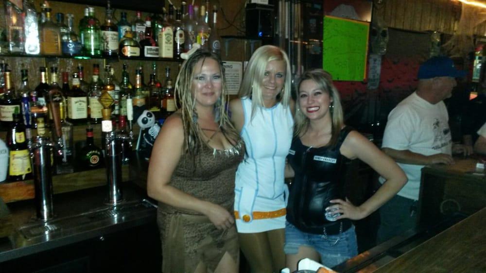 Stella S Sandtrap Dive Bars 3133 Niles St Bakersfield