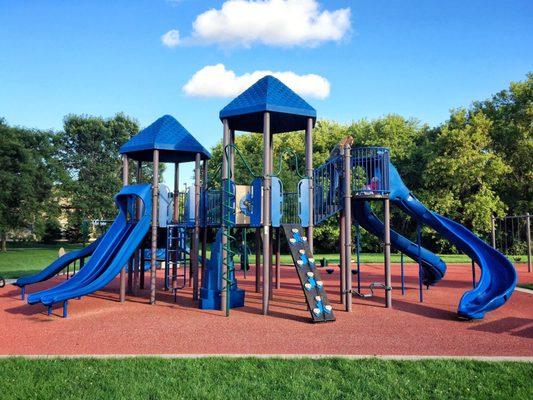 Woodfield Park Playgrounds 101 Cambridge Ave Waukesha