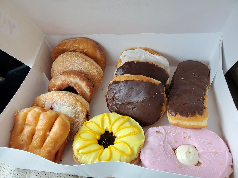 Hiland Bakery: 3615 6th Ave, Des Moines, IA