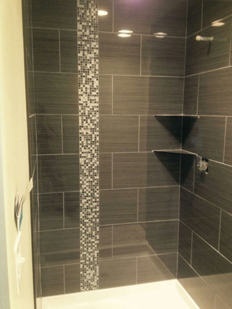 Fabulous 12X24 Tile With Mosaic Liner Vertical And Two Corner Shelves Download Free Architecture Designs Scobabritishbridgeorg