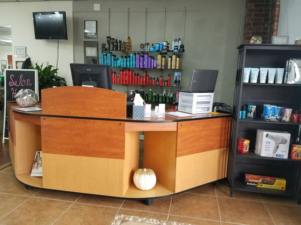 In & Out Salon: 801 W Main St, Cabot, AR