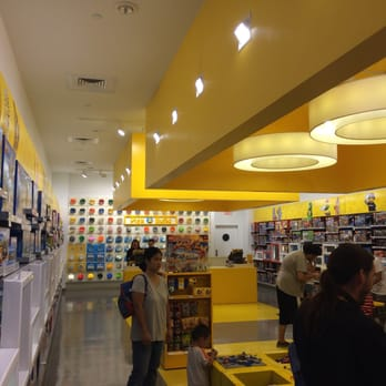 The LEGO Store - 20 Photos & 25 Reviews - Hobby Shops - 3111 W ...