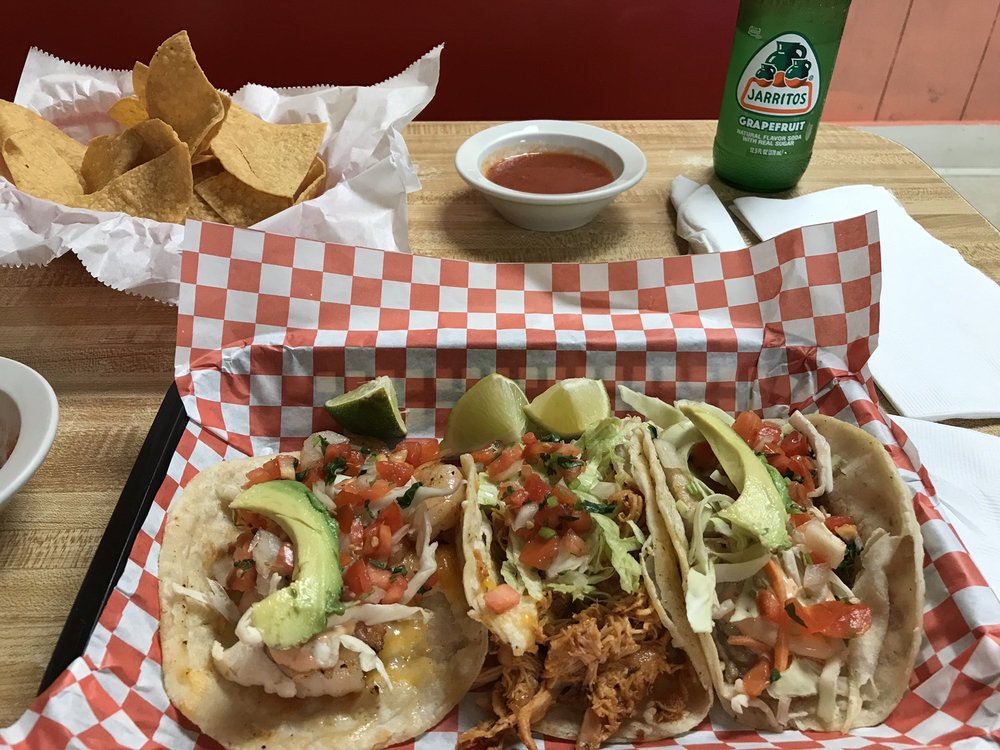 Street Tacos and Seafood: 102 W Main St, Pickens, SC