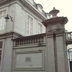 Maison d enfance de marguerite yourcenar arts for 82 rue brule maison lille