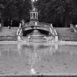 Jardin darcy 10 photos parcs place darcy dijon c te d 39 or num ro de t l phone yelp - Jardin anglais neuchatel dijon ...