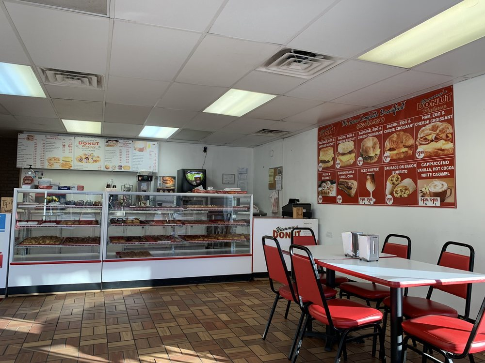 Yummy's Donut Palace: 2800 James Rd, Hannibal, MO