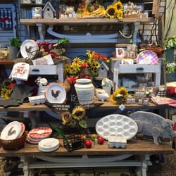 Photo Of Petitti Garden Centers   Avon, OH, United States. Displays For  Summer