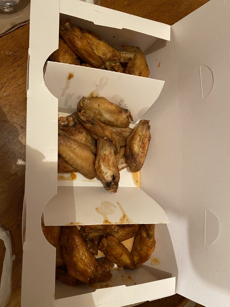 Food from Wild Wing Cafe