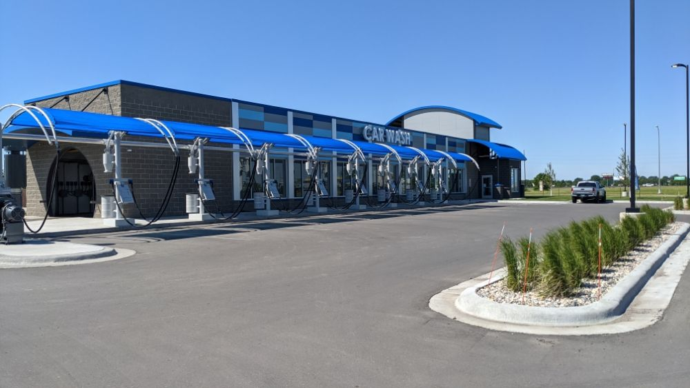 4 Seasons Carwash: 3410 28th Ave S, Moorhead, MN