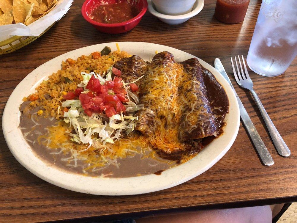 El Zorrito Mexican Restaurant: 110 Redman Dr, Topeka, IN