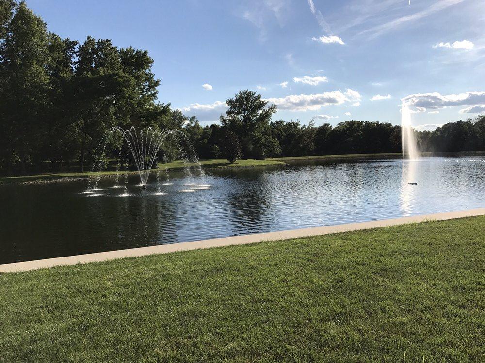 Pine Manor Estate: 26 Pine Lake Dr, Carbondale, IL